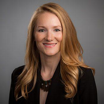 Lauren Espineli Headshot
